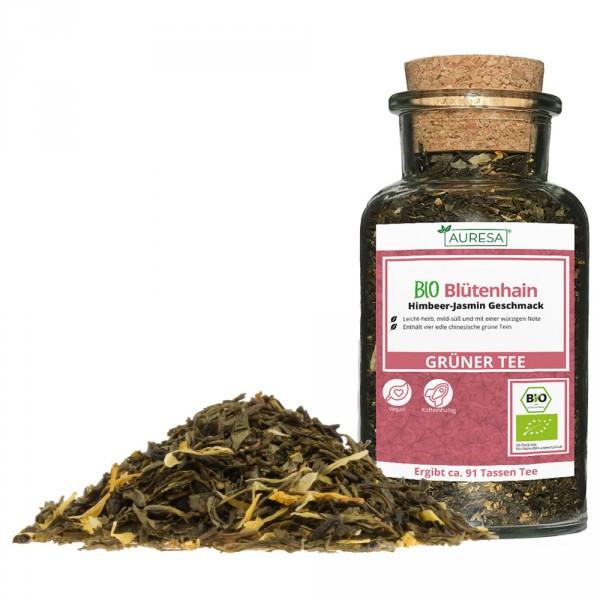 Green tea mixture organic Blütenhain in a glass