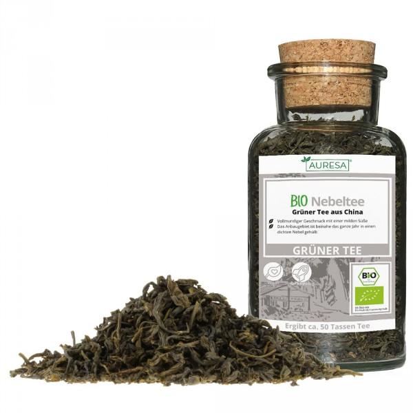 Loose green tea organic Nebeltee in a glass