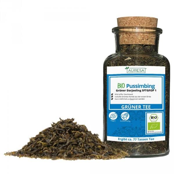 Loose green tea Darjeeling organic pussimbing in a glass
