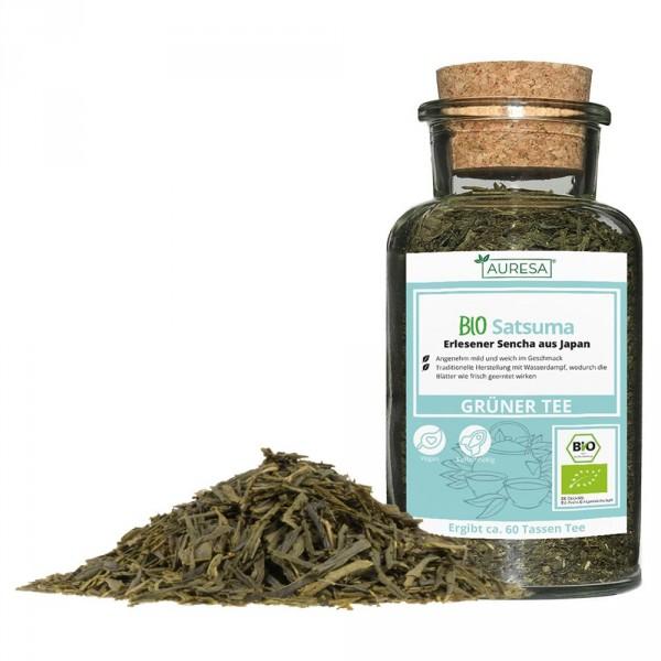 Loose green tea organic Satsuma in a glass