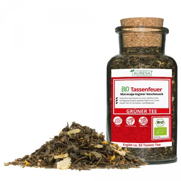 Loose green tea organic Tassenfeuer in a glass