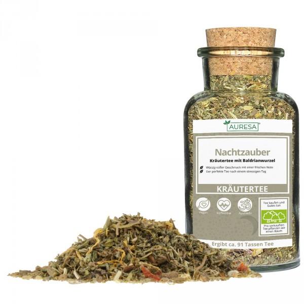 Loose herbal tea Nachtzauber in a glass