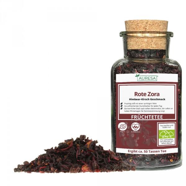 Loose fruit tea Rote Zora in a glass