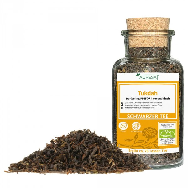 Loose black tea Darjeeling Tukdah in a glass